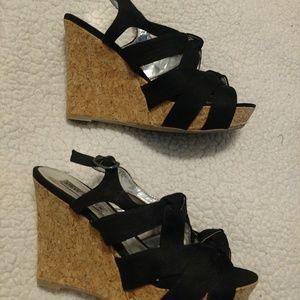 Steve Madden black wedge sandal